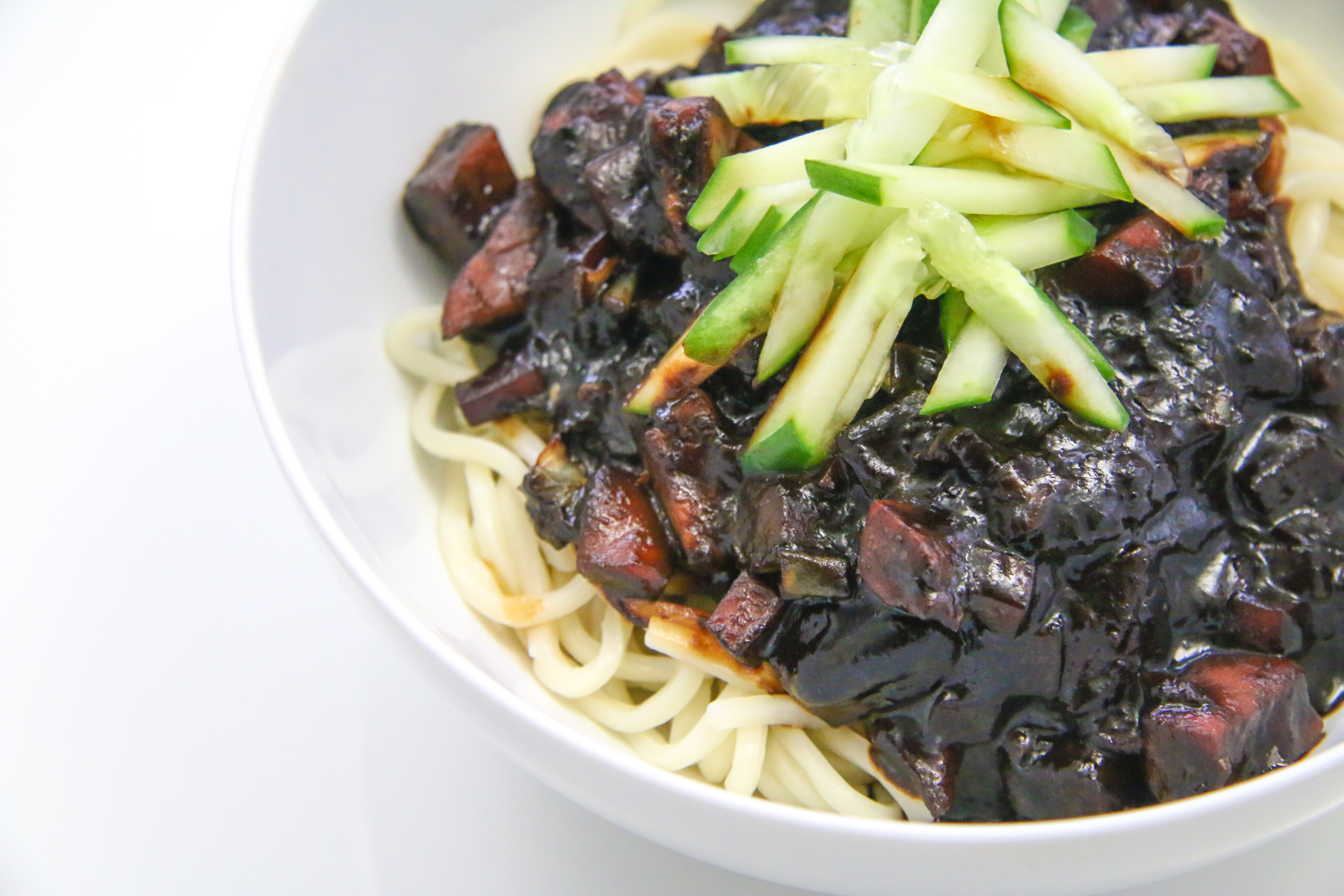 Noodles in black bean sauce jjajangmyeon jajangmyeon jjajangmyeon jajangmyeon chefjulieyoon forumfinder